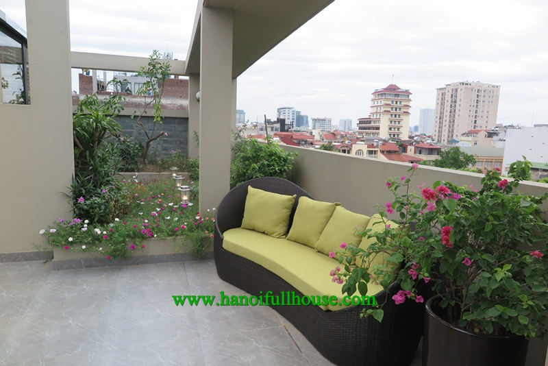 Elegant apartment with a lot of natural light and modern equipment for rent.