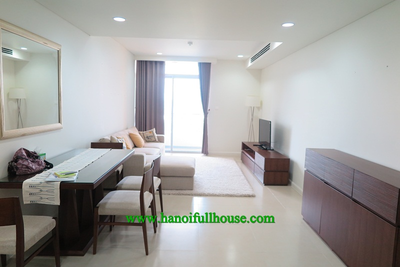 Luxury apartment in Watermark building, 2 bedrooms, high floor for rent.