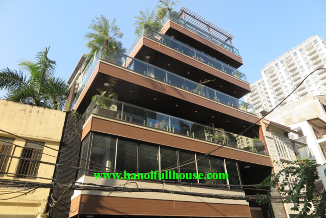 Street building for rent restaurant, showroom, office in Hanoi