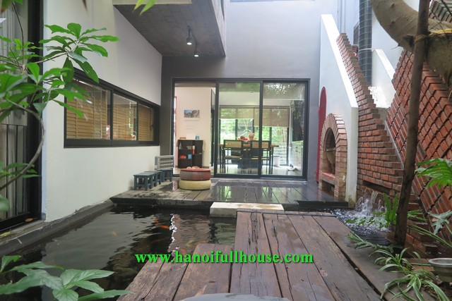 An amazing house on Ngoc Thuy street with large garden and yard for rent.