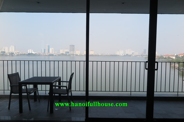 Luxurious service apartment with 4 bedrooms, amazing balcony, high quality furniture and equipment for rent.