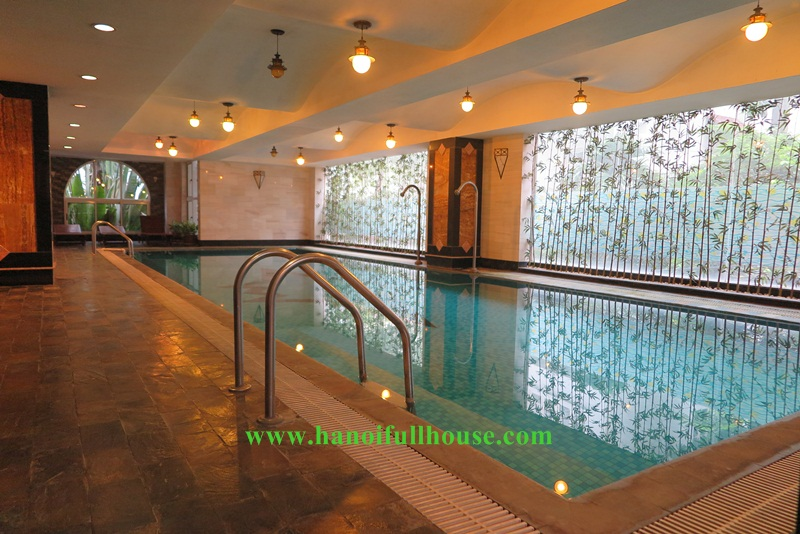 03 bedrooms service apartment with the pool and sauna service in Tay Ho street.