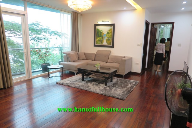 Lovely apartment on Trich Sai street, facing West lake, great decor for rent now.