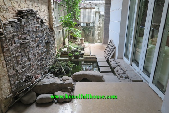 6-bedroom house for rent in Au Co street with great garden, terrace, balconies.