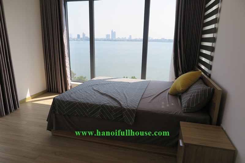 Hanoi housing with 02 bedrooms, westlake view, big terrace overlooking whole of the Lake