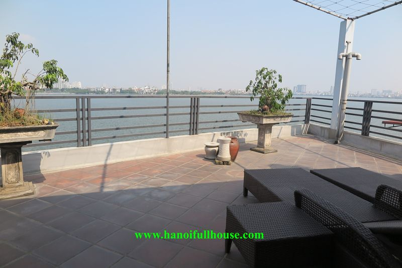 Lake house for rent, cheap price, 3 bedrooms, fully furnished, terrace with view of West Lake