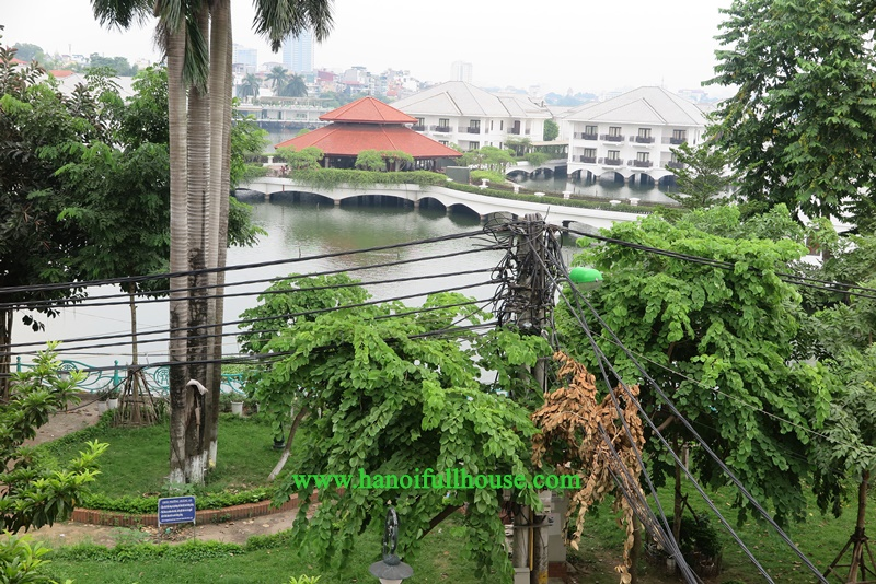 Hanoi Housing opposite the Westlake, 03 bedrooms, small yard, car access