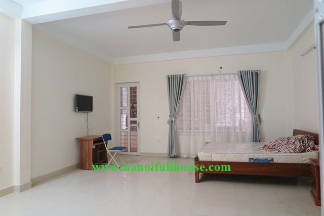 5 bedroom, bright house to lease in Ba Dinh, Hanoi with 5 toilet and 5 small kitchen
