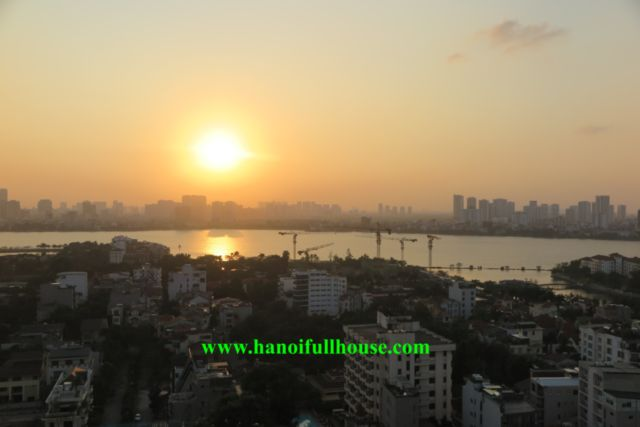 Apartment on D'.Le Roi Soleil - 59 Xuan Dieu for rent, 3 bedrooms, lake view, high floor