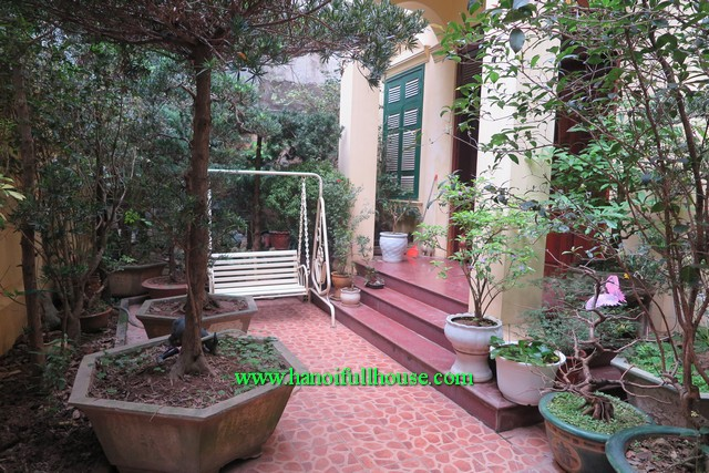 Find rental modern house with three bedroom, garden and quiet area for Expats in Hanoi