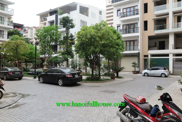 Luxury big house on Nguyen Chi Thanh str, Dong Da dist for rent