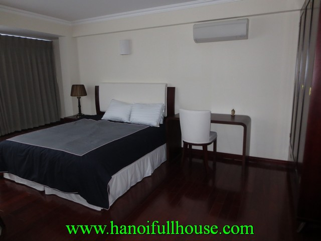 Nice apartment for rent in Ba Dinh dist, Hanoi. Its nearby Truc Bach Lake, brand new furniture