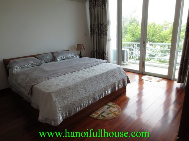 Truc bach lake view serviced apartment with 2 bedrooms, fully furnished for rent in Ba Dinh dist, Hanoi