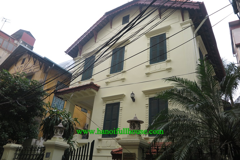 Furnished villa for rent in Hoan Kiem, 3 bedrooms and  garden. Villa has land 250m2, 3 floors