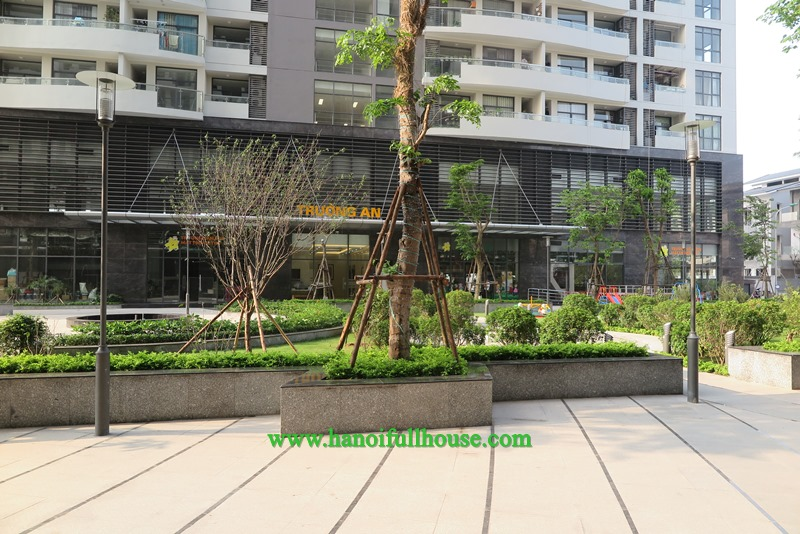 Apartment in Trang An Complex with 3 bedrooms for rent