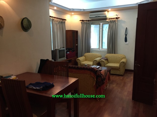 Bright serviced apartment,balcony, elevator and cosy 01 bedroom, 01 living room