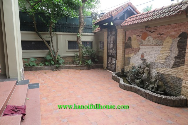 House with a big yard, 6 bedrooms located on Xom Chua, Tay Ho dist for rent