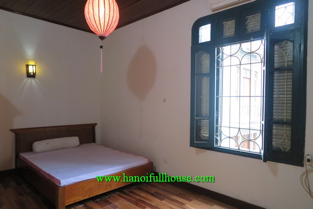House in Au Co str, Tay Ho dist for rent with 4 bedrooms, natural lights
