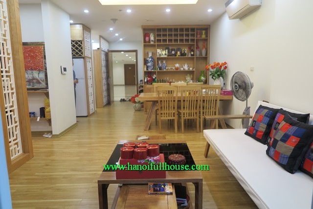 Modernly furnished 02 BRs 02 BTHs apartment in Vincom Nguyen Chi Thanh, Dong Da dist
