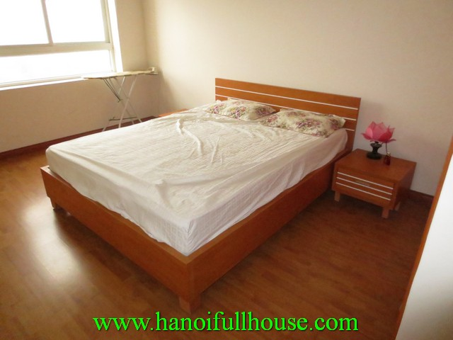 Beautiful cheap apartment with 2 bedrooms for rent in Hai Ba Trung dist, Ha Noi