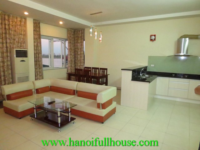 Cheap apartment for rent in Hoan Kiem dist. 2 bedrooms, elevator, fully furnished, car park