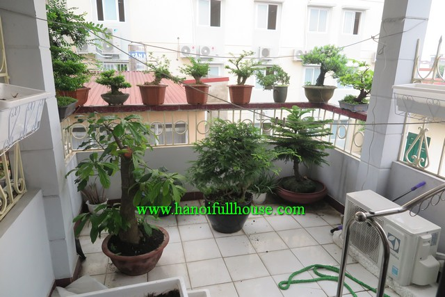 Look for a three bedroom house in Hoan Kiem, Ha Noi for rent