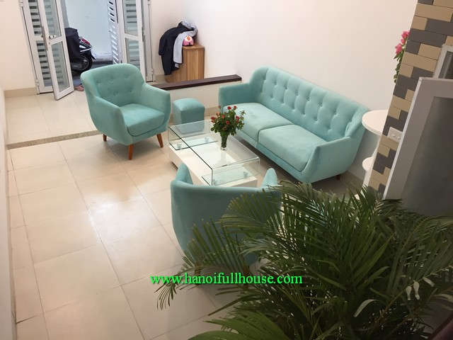 A new house 02 bedroom, newly furnished, lots of light and near Thong Nhat park