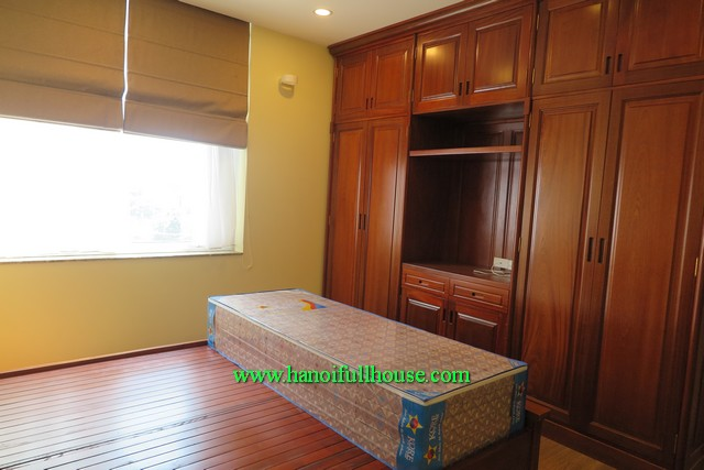 Find an apartment in Tay Ho, Ha Noi. 2 bedroom, 2wc, fully furnished, near Unis School