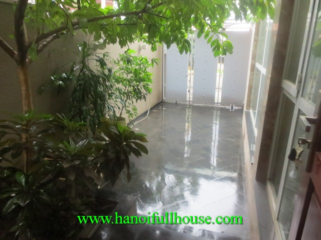 5 bedroom house in Tu Liem district, Ha Noi for lease