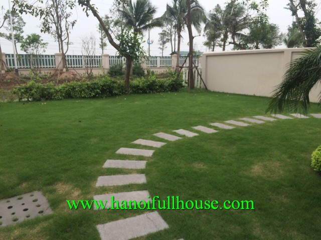 Elegant furnished villa in Vinhomes Riverside Long Bien for rent