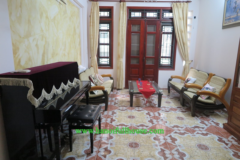 Very nice house in a big alley on Quan Ngua street, 4 bedrooms, a lot of light for rent.