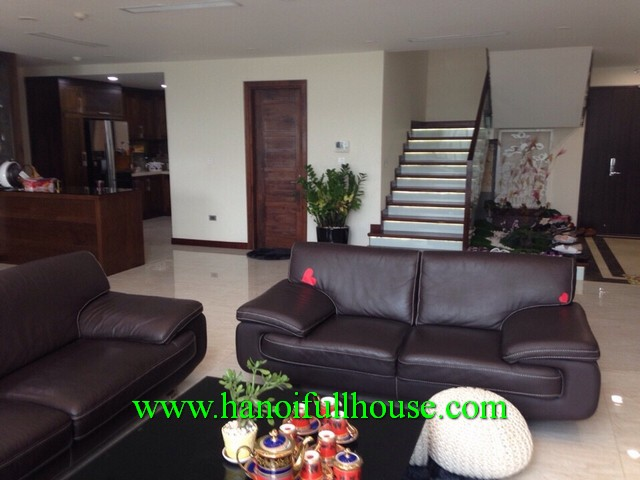 4 bedroom duplex apartment in Madanrin Garden, Cay Giay dist for foreigner rent