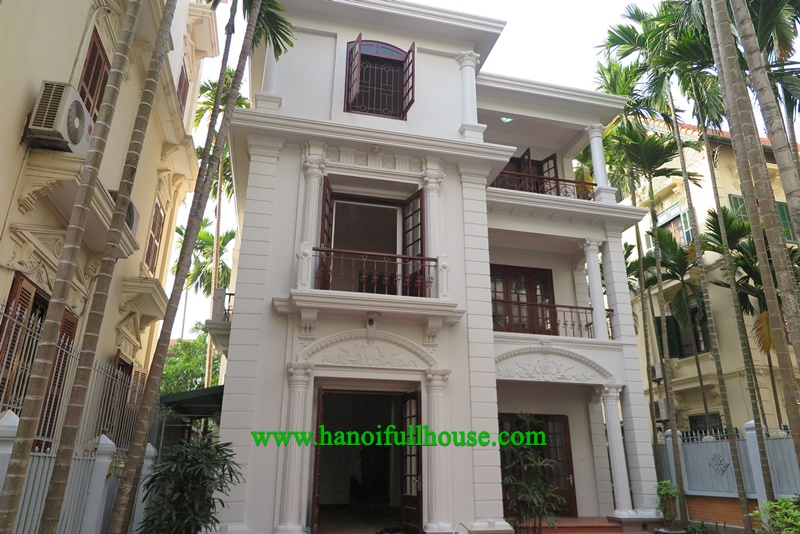 villa at To Ngoc Van with 4 Br, 5 Bhr, swiming pool and big yard for rent