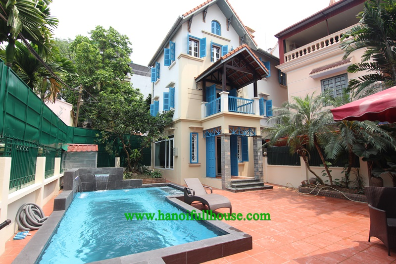 A big court-yard villa with a swimming pool on To Ngoc Van str, Tay Ho for rent