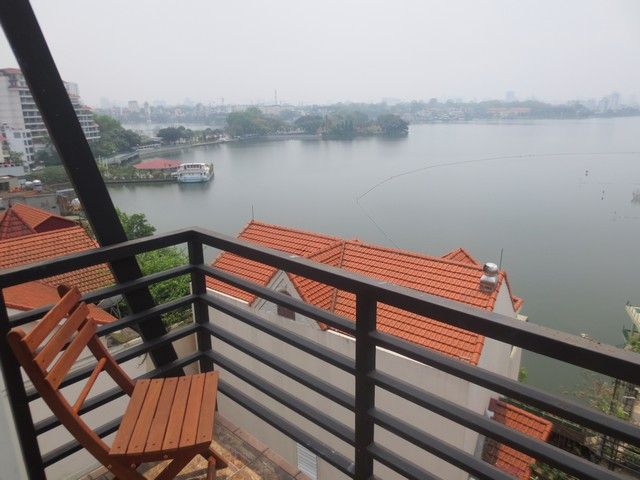 West lake view serviced apartment with 2 bedrooms for rent in Tay Ho district, Ha Noi-Viet Nam