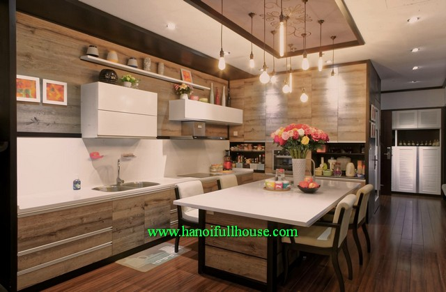 High-ranking luxury 2 bedroom fully furnished apartment at Royal City Hanoi for lease