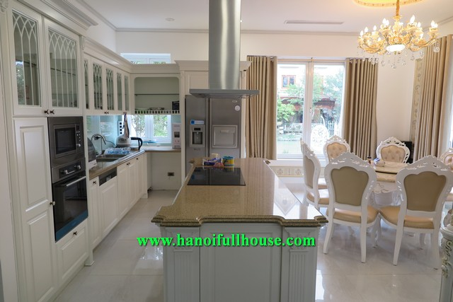Luxury villa, brand new furniture, Garden in Vinhomes Riverside Long Bien dist