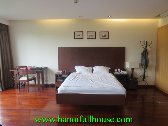 Luxury apartment with 1 bedroom for rent in Xuan Dieu street, Tay Ho dist, Ha Noi