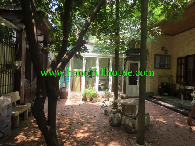 Garden & big nice yard house for rent in Tay Ho dist, Ha Noi