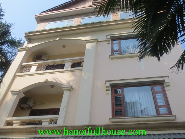 Beautiful house for rent in Tay Ho dist, Ha Noi. 3 bedrooms, fully furnished, lake view