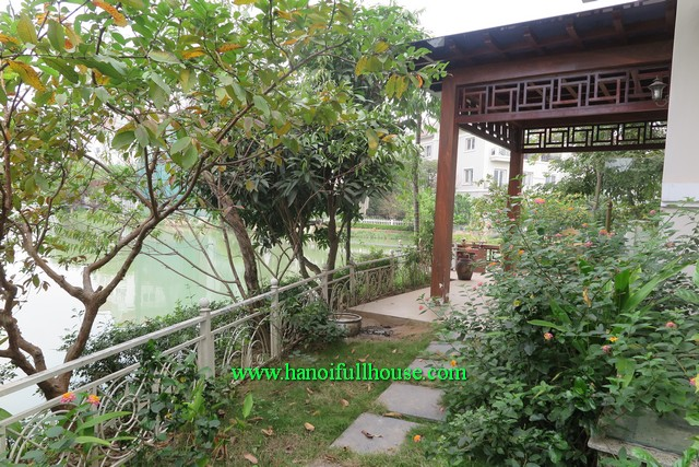 A spacious villa with elevator, garden and lake in Long Bien Vinhomes Riverside