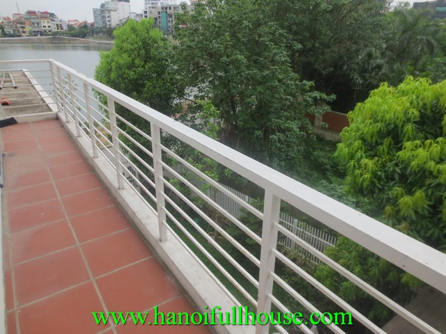 Beautiful apartment with nice garden for rent in Xuan Dieu street, Tay Ho dist, Ha Noi