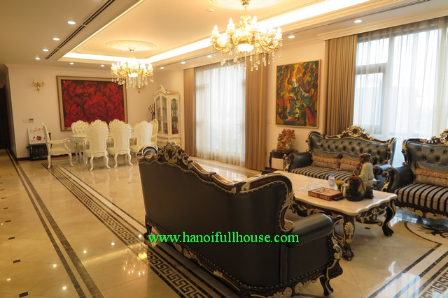 Hanoi central luxury 3 bedroom apartment with size of 300 m2, well designed and near Hoan Kiem lake