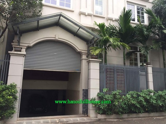 Find a modern villa for rent in Tay Ho district, Hanoi. Villa for rent with garden, furnished