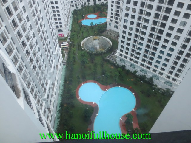 Unfurnished apartment for rent at Ha Noi Royal City, Nguyen Trai