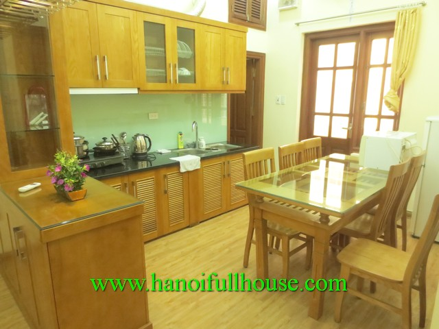 2 bedroom apartment in Hoan Kiem dist for rent.