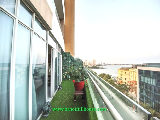 Find an apartment for rent on the side of West Lake-Hanoi. 3 bedroom, furnished and long balcony