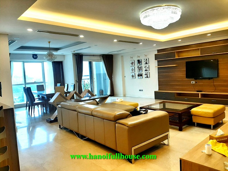 Rent a big luxury condominium with 267 m2 at L2 ciputra Tay Ho-Ha Noi