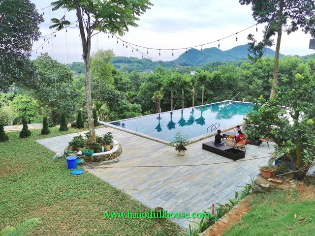 Very large and modern villa on the outskirts of Hanoi for rent with a large pool, immense green, with 9 bedrooms
