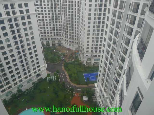 A nice apartment in Royal City Hanoi for rent. Large apartment with 3 bedrooms, wooden floor